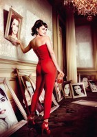 sexy-penelope-cruz-campari-rote-high-heels